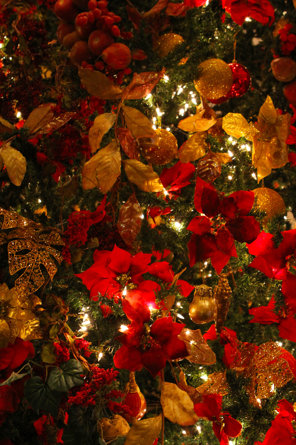 100 Large Christmas Tree Ornaments Picture